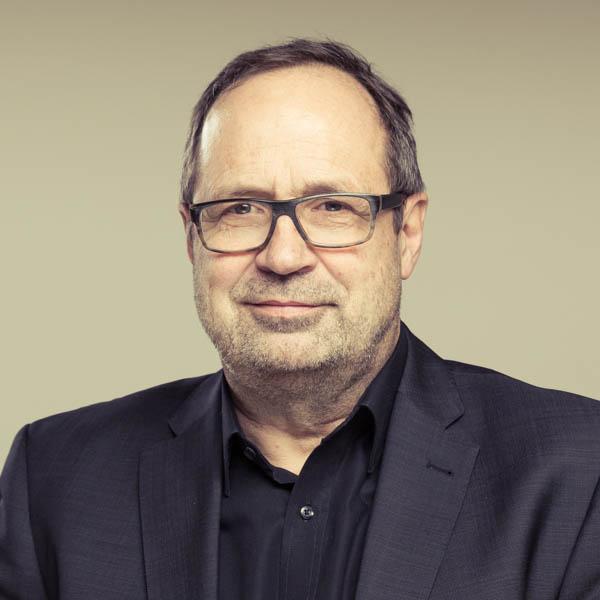 Dr. Benedikt Erhard